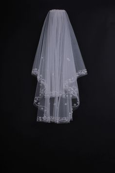 Two-layers Fresh Beading Look Ivory Veil