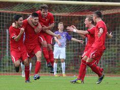 Kapitän #Sidar #Polat (2 v. l.) jubelt mit seinen Teamkollegen nachdem erzielten Treffer. | 17. Spieltag BAK 07 vs. Erzgebirge Aue (Saison 14/15) - Ergebnis: 2:4 Niederlage