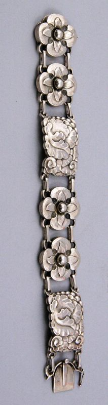 Bracelet | Georg Jensen. Sterling silver. ca. 1933 - 45. #ClayJensenSterlingSilver