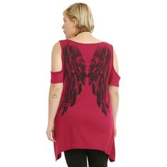 Hot Topic Burgundy & Black Wings Girls Cold Shoulder Top Plus Size ($26) ❤ liked on Polyvore featuring tops, burgundy top, plus size tops, graphic print top, womens plus size tops and open shoulder tops