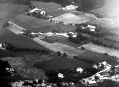 Bjørum-gårdene i 1936 by Espen Sandmo, via Flickr