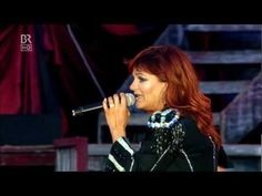 Andrea Berg - Seemann, deine Heimat ist das Meer - Aspach live - YouTube