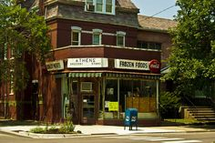 8.2.2014 - Pullman, Chicago The little neighborhood grocer