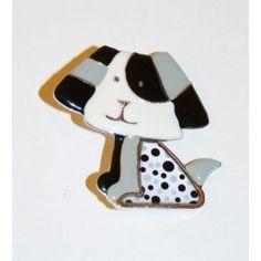 Broche métallique en émail en forme de chien  avec motif pois noir et blanc.      #bijoux #mode #fashion #jewellery #Bijoux Lolita #bijoux fantaisies #collier