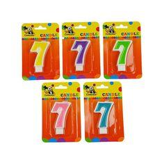 Cijferkaars 7 jaar. Kaars in de vorm van het getal 7. Formaat ongeveer 8 cm hoog en 4,5 cm breed.