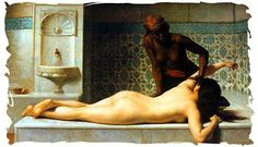 La piel blanca pura, fue la característica más importante de la belleza romana. Las mujeres romanas no eran, naturalmente, de piel blanca y dedicaron tiempo aplicando aceites en sus caras, como maquillaje para blanquear para satisfacer sus modelo de belleza. A menudo las mujeres preparaban sus rostros a base de máscaras, antes de aplicar el maquillaje.