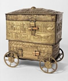 Elaborate sheet-brass box on wheels rich in symbolic content. before 1900 Ghana. African Words, African Art, African Culture, African History, Ashanti Empire, Modern Ghana, Great Power, British Colonial, West Africa