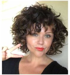 Curly Hair With Bangs, Curly Hair Cuts, Short Hair Cuts, Curly Hair Styles, Natural Hair Styles, Thick Hair, Short Bob Curly Hair, Curly Bob With Fringe, Curly Layers