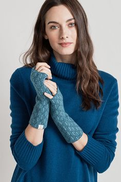 Winter Tide Mittens #SeasaltComfortandJoy