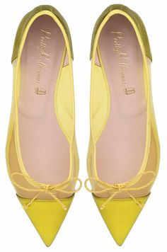 keltaista! Heels, Passion, Women, Fashion Advice, Suitcases, Yellow, Hair Bows, Ballerinas, Zapatos