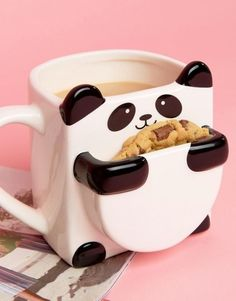 cute cups 26 Absolutely Perfect Thank You Gifts For Every Situation Make cookie pouch bigger and get rid of mug, make I little pot with panda head in back and arms/feet around Objet Wtf, Cute Cups, Presents For Kids, Cool Inventions, How To Make Cookies, Thank You Gifts, Cute Gifts, Cool Things To Buy, Birthday Gifts