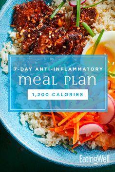 Anti-Inflammatory Diet Meal Plan: Calories : In this healthy meal plan, we pull together the principles of anti-inflammatory eating to deliver a week of delicious, wholesome meals and snacks, plus meal-prep tips to set you up for a successful week ahead. 1200 Calorie Meal Plan, 200 Calorie Meals, Healthy Meal Prep, Healthy Eating, Clean Eating, Anti Inflammatory Recipes, Nutrition Education, Nutrition Tips, Child Nutrition