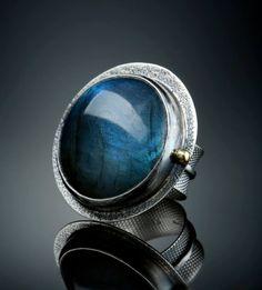 Silver & 18K gold Labradorite ring ©Amy Buettner