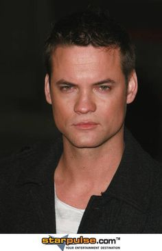 Shane West may just be the best match for Nicolas Montagu, who lives in Philadelphia circa =) Shane West, Yahoo Images, Image Search, Teen, Boys, People, It's Raining, Philadelphia, Blueberry