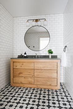 Classic Bathroom, White Bathroom, Modern Bathroom, Bathroom Kids, Basement Bathroom, Bathroom Inspiration, Interior Inspiration, Design Inspiration, Timber Vanity
