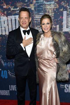 Pin for Later: Saturday Night Life rief und die Stars kamen in Scharen Tom Hanks und Rita Wilson