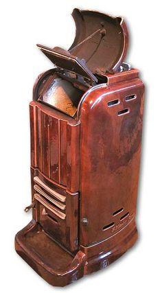 Art Deco Stove from Twentieth Century Fireplaces uk - original stoves Antique Wood Stove, How To Antique Wood, Old Wood, Coal Burning Stove, Wood Burning, High Efficiency Gas Furnace, Fireplaces Uk, Streamline Moderne, Wood Stoves