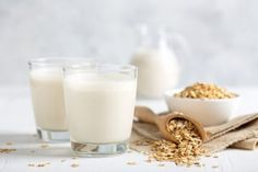 These oat milk benefits will help you have healthier skin, hair, and bones. Oat milk may also benefit your heart health if you drink it daily. Nut Milk Bag, Soy Milk, Oat Milk Benefits, Health Benefits, How To Make Oats, Milk Brands, Milk Alternatives, Plant Based Milk, Milk Plant