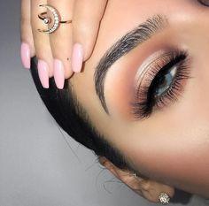 Soft eyeshadow look