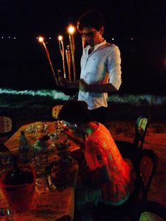Mika tweeted about being in Sicily, having dinner w/ his family on the beach 7/7/2014