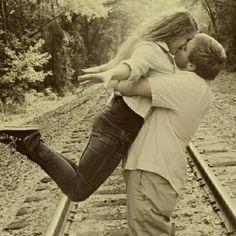 Cute couple photoshoot idea! Funny Couple Pictures, Couple Pics, Picture Ideas, Photo Ideas, Camera Shots, Cute Photos, Photo Shoots, Photoshoot Ideas, Family Photography