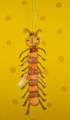 Centipede from James and the Giant Peach. Roald Dahl Activities, James And Giant Peach, Roald Dahl Day, Christmas Tree Forest, Peach Party, Insect Crafts, Preschool Crafts, Puppets, Art For Kids