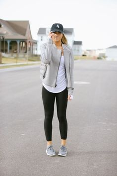 Fitness Casual, leggings and tshirt