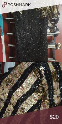 Sequined gold and black dress?? Gold sequins all in tact as well as the dress Dresses Midi