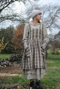 Julie petite robe débardeur...  elle se portera plus légère aux beaux jours;  mais là il fait un peu frais
