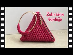 Crochet Wallet, Crochet Coin Purse, Crochet Shoes, Crochet Purses, Free Crochet Doily Patterns, Crochet Bag Tutorials, Loom Crochet, Crochet Videos, Tote Purse