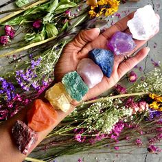 Crystals And Gemstones, Stones And Crystals, Solar Panel Technology, Get Off The Grid, Reiki Therapy, Solar Energy System, Solar Power, Crystal Aesthetic, Solar Panel Installation