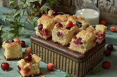 szybka drożdżówka bez wyrabiania Coffee Cake, Muffin, Good Food, Cookies, Baking, Breakfast, Recipes, Polish, Blog