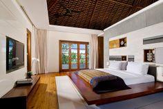 Luxurious private clifftop villa in Bali
