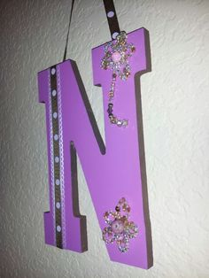 Two tone Initial N letter