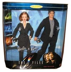 Barbie y Ken 1998 The X-Files Giftset Mattel https://www.amazon.es/dp/B000BK7QFQ/ref=cm_sw_r_pi_dp_x_XVKIzb0Q80X8W
