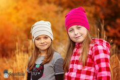 Friends by JoseRoss_photographie Winter Hats, Friends, Family Photos, Fashion, Photo Shoot, Photography, Amigos, Family Pictures, Moda
