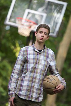 Southeastern Wisconsin Photographer - Bretari Photography - Senior Boy Basketball Pose