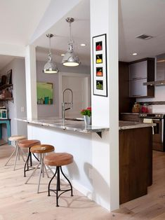 There is no question that designing a new kitchen layout for a large kitchen is much easier than for a small kitchen. A large kitchen provides a designer with adequate space to incorporate many convenient kitchen accessories such as wall ovens, raised. Home Decor Kitchen, Kitchen Interior, Kitchen Ideas, Apartment Kitchen, Apartment Design, Kitchen Designs, Kitchen Island Bar, Kitchen Cabinets, White Cabinets