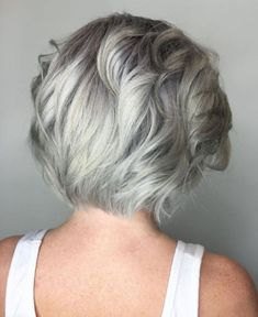 Short Ash Blonde And Silver Hairstyle For Women Over 40 Grey Hair Young, Short Grey Hair, Short Hair Cuts For Women, Short Hair Styles, Salt And Pepper Hair, Silver Grey Hair, White Hair, Silver Hair Styles, Natural Wavy Hair