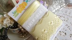 Kit de Aviamentos Encantos Amarelo