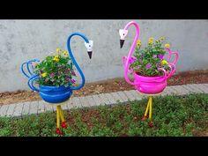 Plastic Bottle Planter, Reuse Plastic Bottles, Plastic Bottle Flowers, Plastic Bottle Crafts, Recycled Bottles, Beautiful Flowers Garden, Amazing Flowers, Clay Pot Projects, Bottle Garden