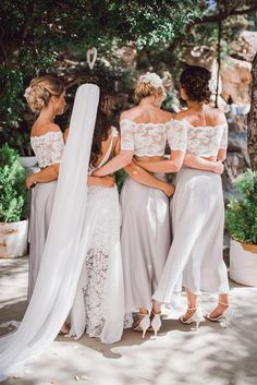 Amy in our HOLLIE 2.0 gown and GABRIELA veil with her bridesmaids in our EVERYDAY crop | Grace Loves Lace
