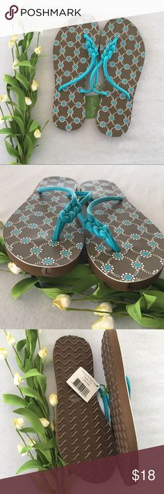 Vera Bradley Flip Flops Large Totally Turq NWT Brand new with tags  Size Large (9-10) Vera Bradley Shoes Sandals