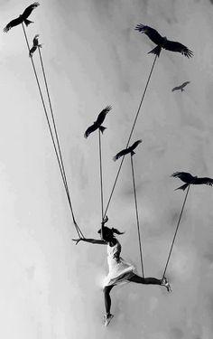 I can fly  تعطي حافز للتخيل والتامل بعيدا وتلهم بافكار جديده