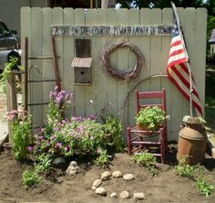40 Marvelous DIY Wall Gardens Outdoor Design Ideas There are so many ways to make great Wall Gardens Outdoor for your outdoor space home. It's because It is never late to make a unique and charming garden in your yard that will be a perfect p… Garden Junk, Garden Yard Ideas, Diy Garden Decor, Lawn And Garden, Garden Projects, Summer Garden, Rustic Gardens, Outdoor Gardens, Outdoor Projects