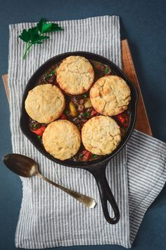 Grassfed Beef Cobbler with Easy Cheddar Biscuits Fall Recipes, Whole Food Recipes, Healthy Recipes, Beef Cobbler, Easy Biscuit Recipe, Cheddar Biscuits, Weeknight Recipes, Healthy Comfort Food, Grass Fed Beef