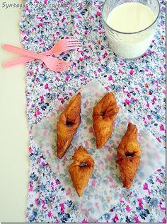 donut like ears Greek Desserts, Greek Recipes, My Recipes, Recipies, Greek Cooking, Food And Drink, Sweets, Dishes, Baking