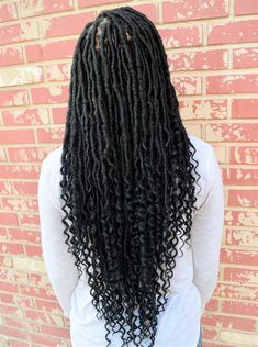Goddess locs are one of the most popular protective hairstyles out today, loved for their versatility and natural appearance. Here are 55 goddess locs styles. Faux Locs Hairstyles, African Braids Hairstyles, Fancy Hairstyles, Girl Hairstyles, Teenage Hairstyles, Black Women Hairstyles, Wedding Hairstyles, Goddess Locks, Curly Hair Styles
