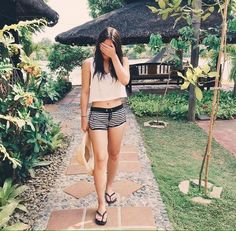 Finally, my first (real) candid shot! That's me laughing at myself Summer Outfits, Casual Outfits, Fashion Outfits, Women's Fashion, Julia Baretto, Filipina Actress, Instagram Challenge, Most Beautiful Faces, Celebrity Outfits