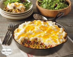 Skillet Shepherd's Pie - Transform leftover turkey (and mashed potatoes if you've got them) into a veggie-packed layered casserole with only 10 minutes of prep time.